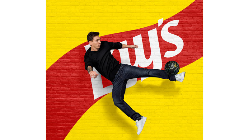 10/131 Lionel Messi for Lays