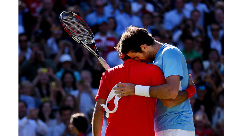 66/136 - Roger Federer and Juan Martin Del Potro, London, Aug 2012