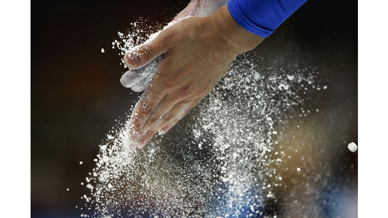 132/136 - Gymnast preparation in Beijing - China, 2008. © Getty Images