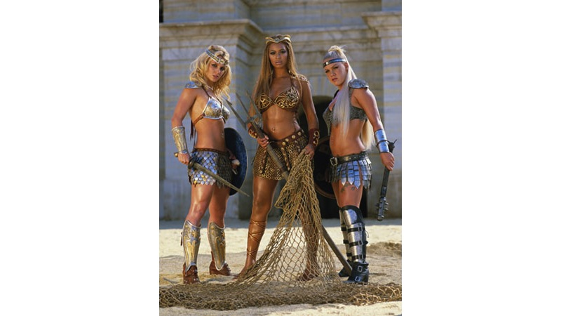 31/41 - Britney Spears, Beyonce Knowles & Pink - Rome, 2003.